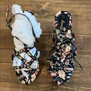 Anna wedge floral shoes 7.5